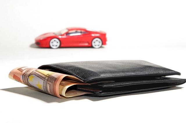peníze na auto