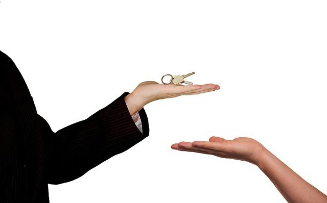 klíče u agenta.jpg