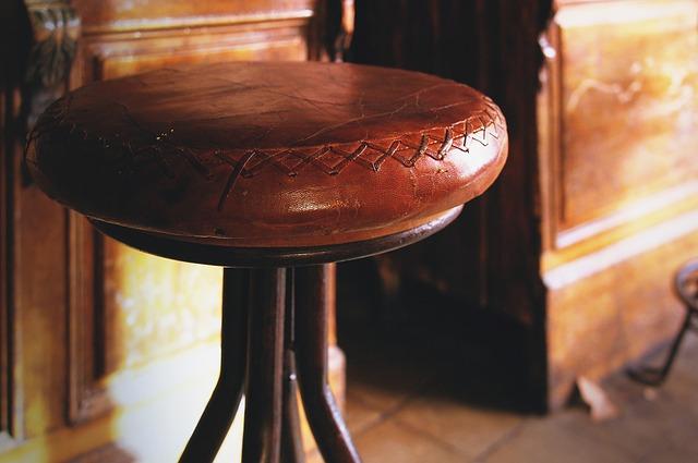 kožené židle barová.jpg